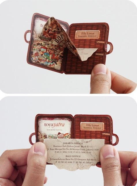 'Pack your bags' business card