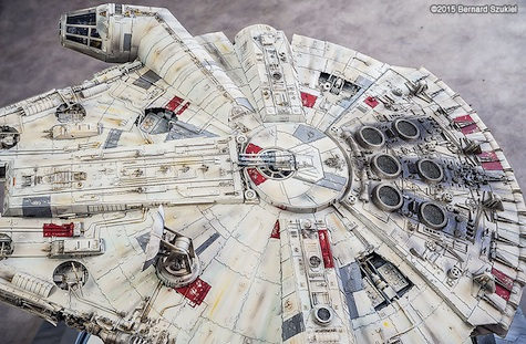Millennium Falcon paper model design