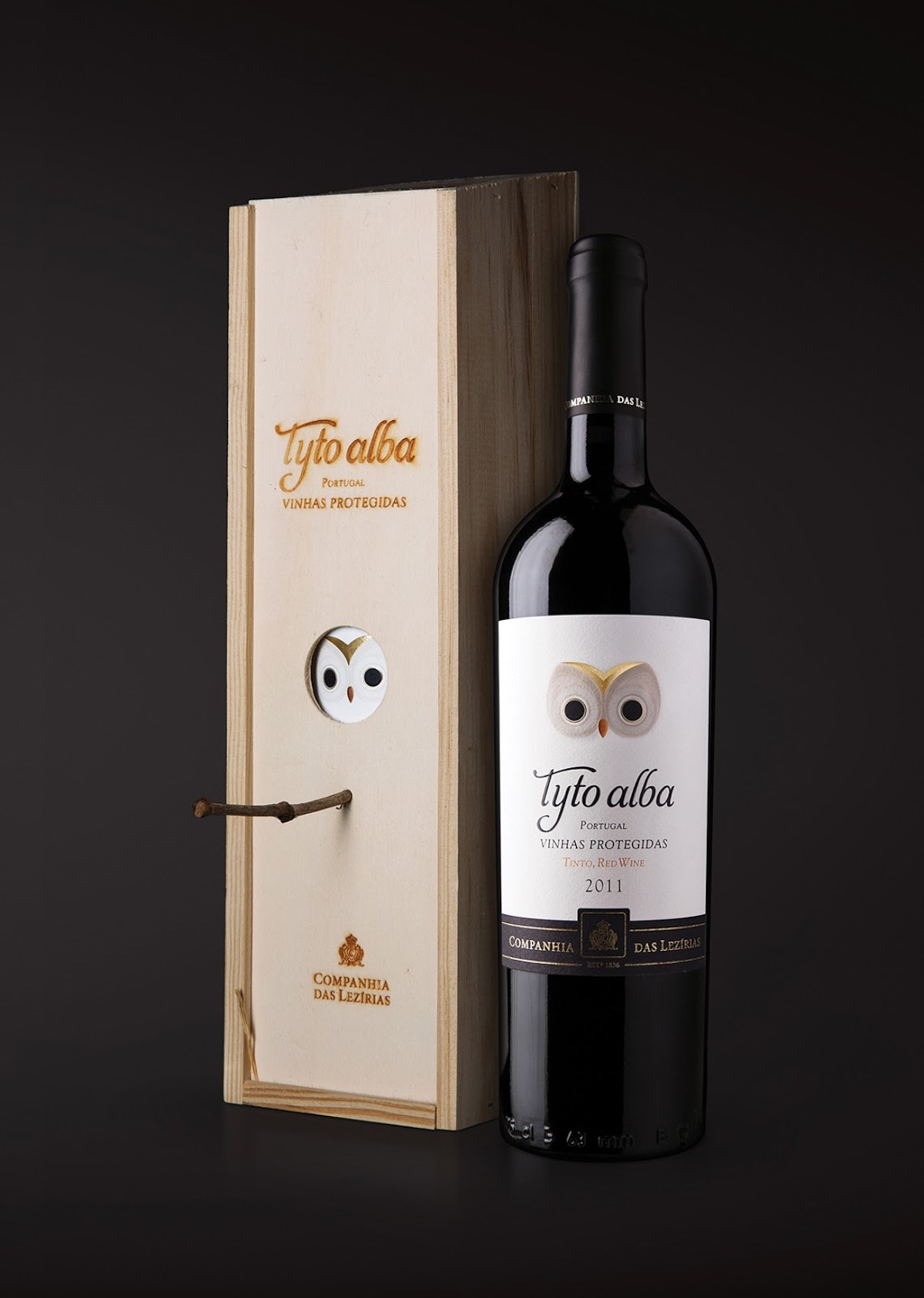 barn owl wine packaging