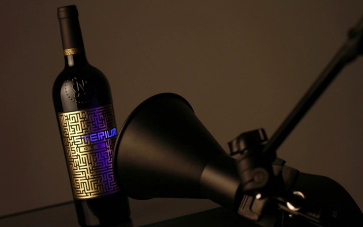 mysterium wine label